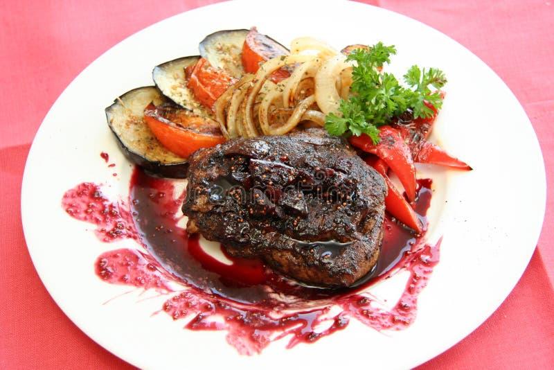 肉调味汁蔬菜 免版税库存图片