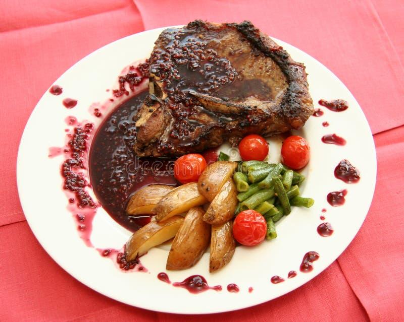肉调味汁蔬菜 免版税库存照片