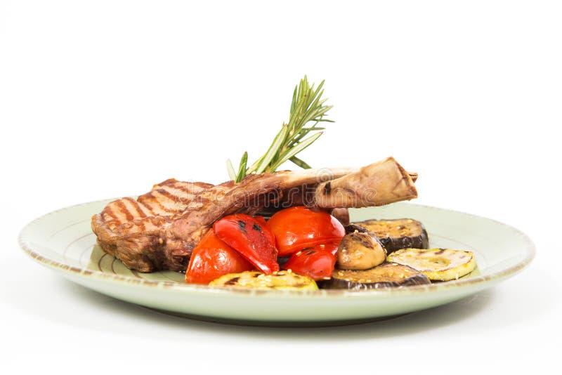 Download 肋骨肉在盘的 库存照片. 图片 包括有 迷迭香, 剪切, 背包, 绿色, 茶点, 烘烤, 烹调, 牌照, 特写镜头 - 62534020
