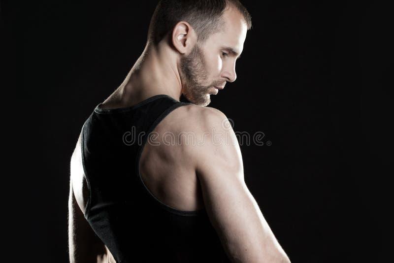 Download 肌肉人,在拳头的钩子手,黑 库存照片. 图片 包括有 设计, 诱人, 吵嘴, 人员, 运动员, 执行, 人力 - 62526062