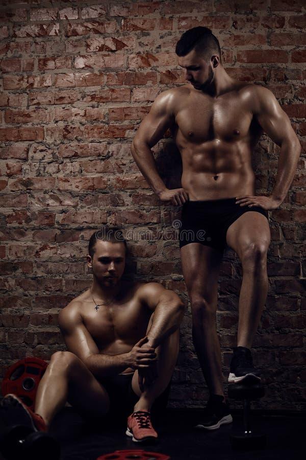 年轻肌肉人 库存图片