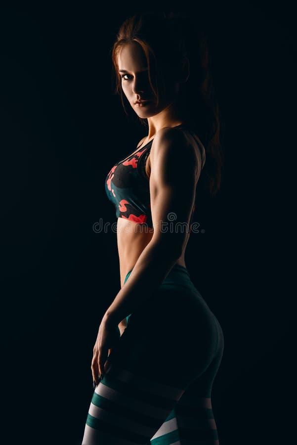 肌肉机体的女性 库存照片