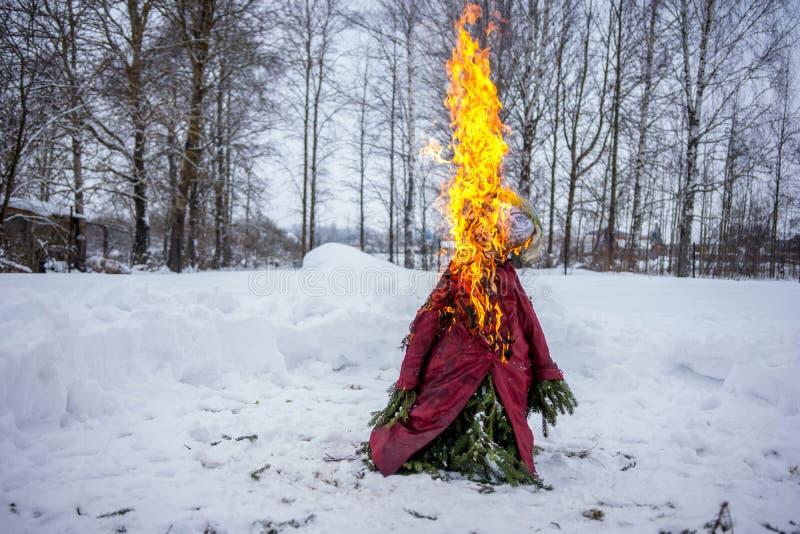 肖象在Shrove忏悔节被点燃在俄罗斯 免版税图库摄影