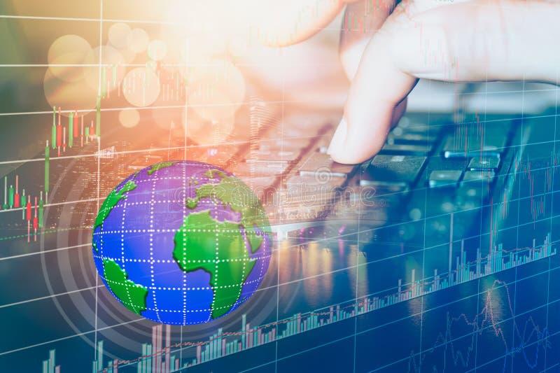 股市或外汇贸易的图表和烛台绘制适用于图表金融投资概念 免版税库存图片