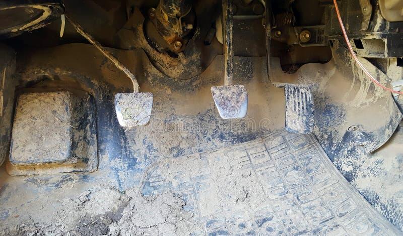 肮脏脚蹬的汽车 图库摄影