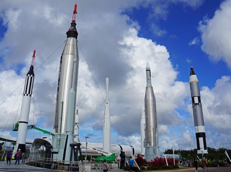 肯尼迪航天中心的火箭队庭院 免版税库存照片