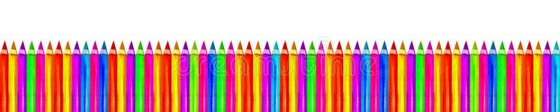 背景为白色的彩色铅笔回校横幅 复制文本的空格 手绘水彩 免版税库存照片