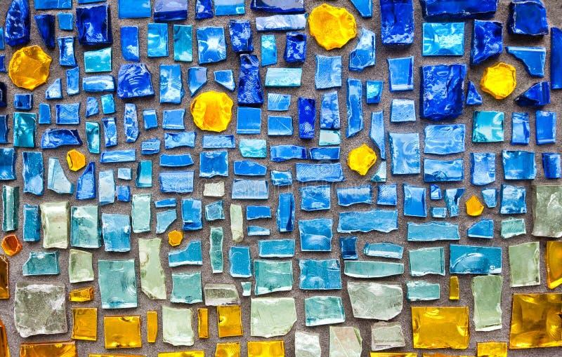 背景五颜六色的玻璃马赛克墙壁 免版税库存照片