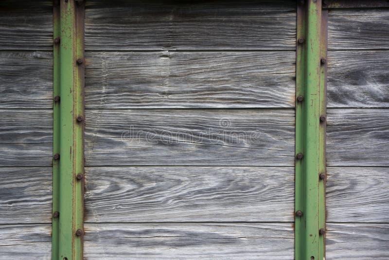 背景农业机械金属老木头 免版税库存图片