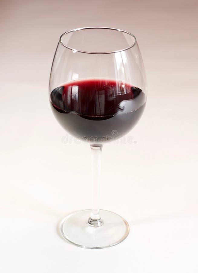 背景剪报文件玻璃包括路径红色白葡萄酒 免版税图库摄影