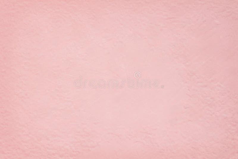 背景和设计书刊上的图片的桃红色水泥墙壁纹理 免版税库存图片