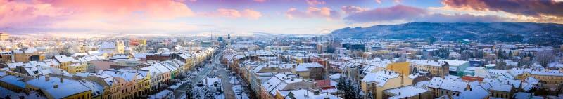 背景城市横向自然全景 免版税库存照片
