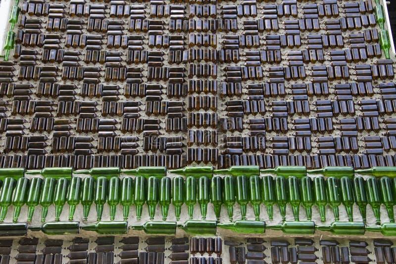 背景墙壁瓶 免版税库存图片