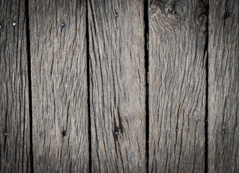 背景或大模型的老灰色木纹理 与紧密变暗的边缘的木背景  免版税图库摄影