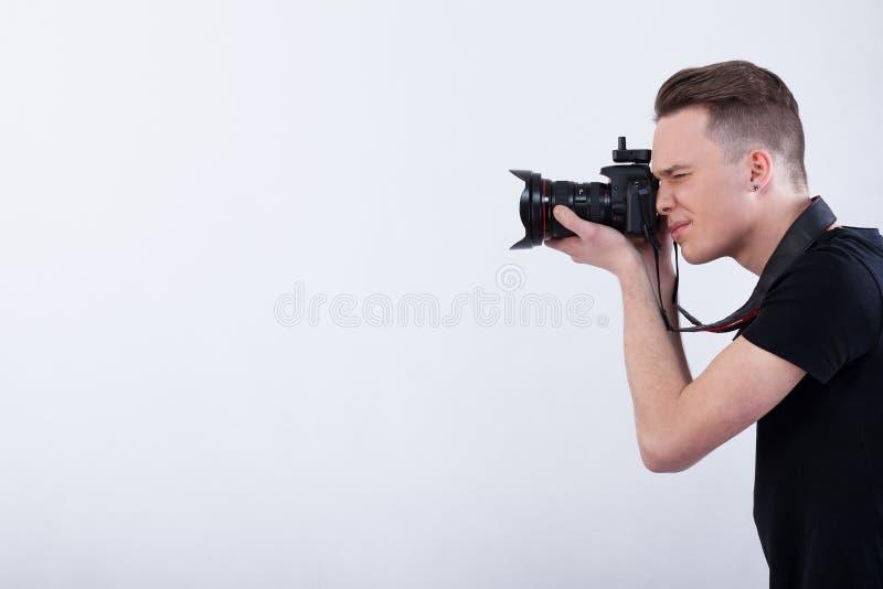 背景摄影师空白年轻人 图库摄影