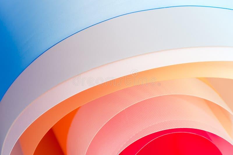 背景摄影-与梯度的多彩多姿的扭转的板料 库存例证