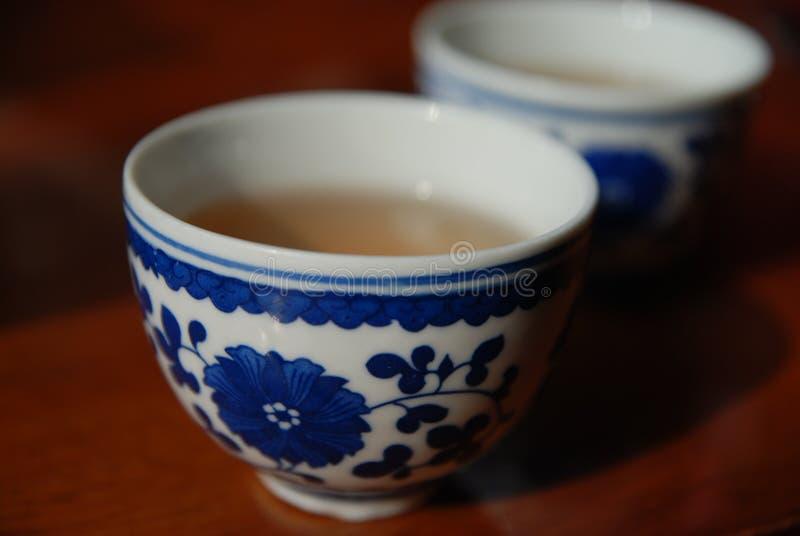 背景杯子查出的茶白色 免版税库存图片