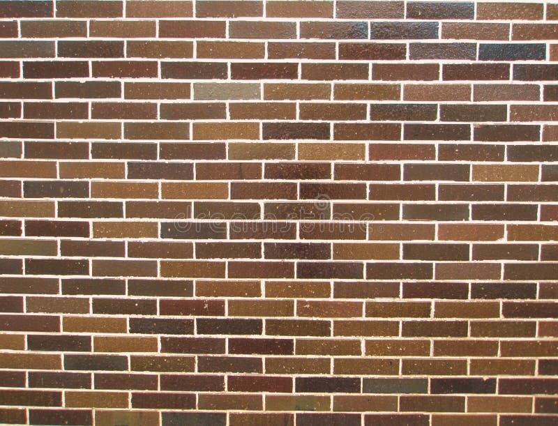 背景棕色瓦片墙壁 免版税库存照片