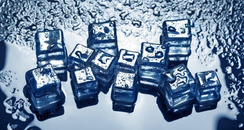 背景求冰的立方 免版税库存照片