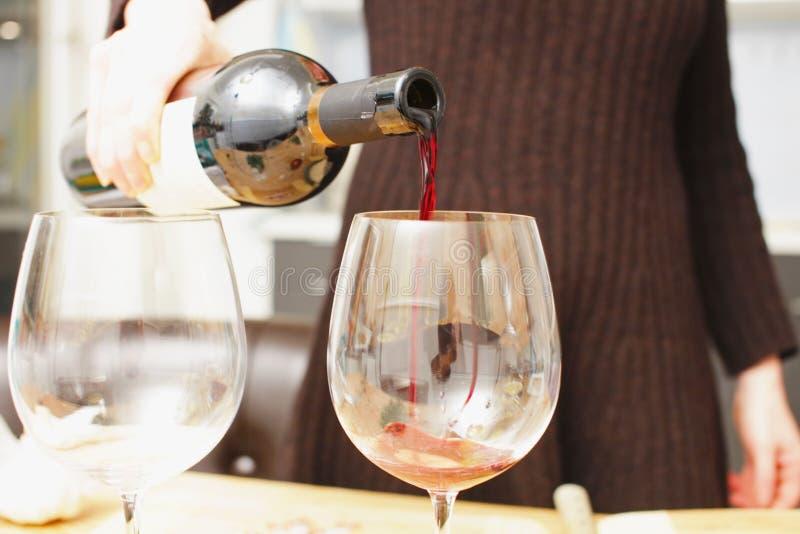 背景玻璃瓶空缺数目酒 免版税库存图片