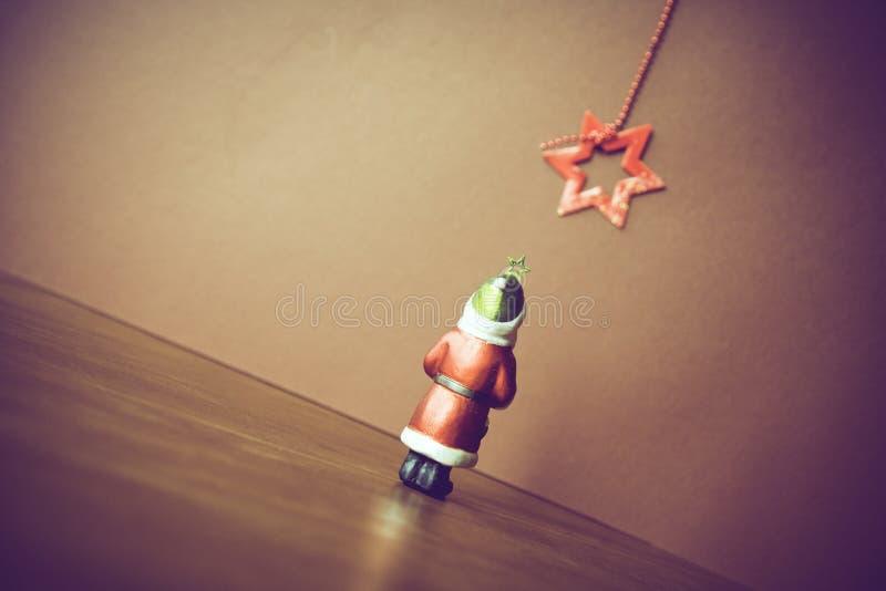 背景球黑色圣诞节装饰四 免版税库存照片
