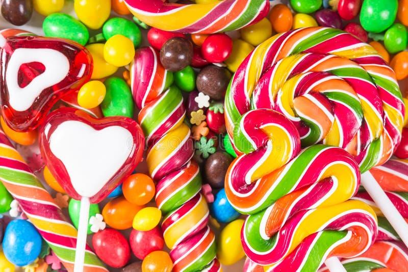 背景用五颜六色的糖果 免版税库存照片