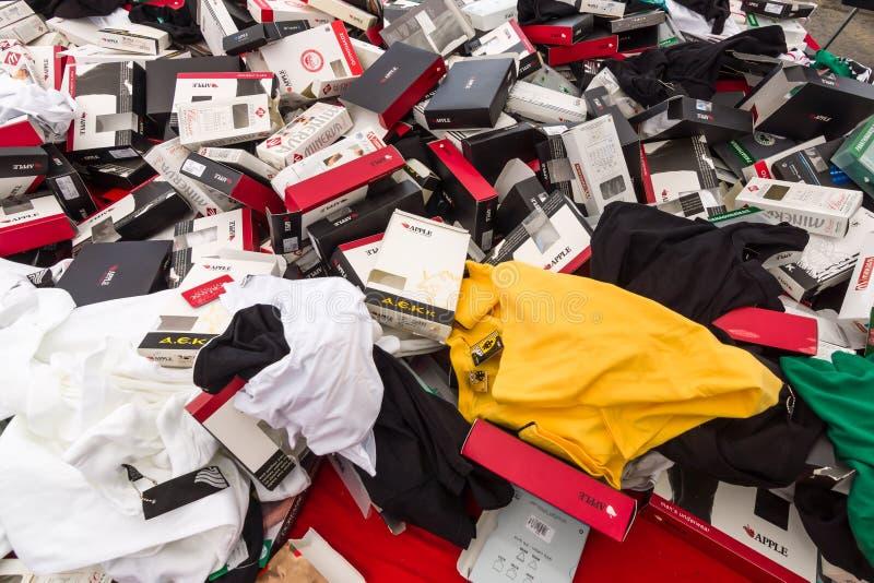 背景疏散内衣和包装 免版税库存图片