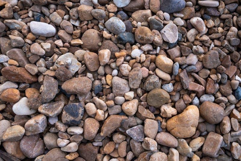 背景的小和大小卵石 图库摄影