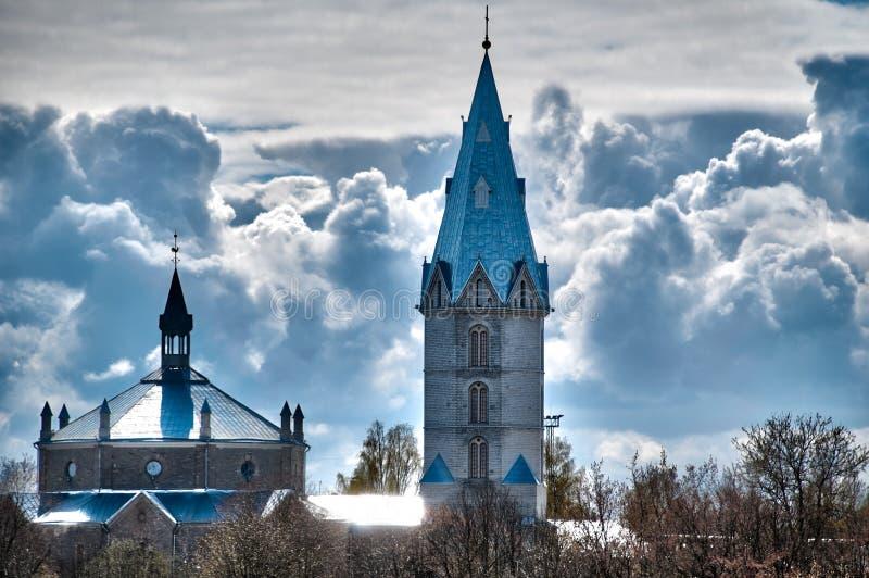 背景美丽的教会多云天空 免版税库存照片