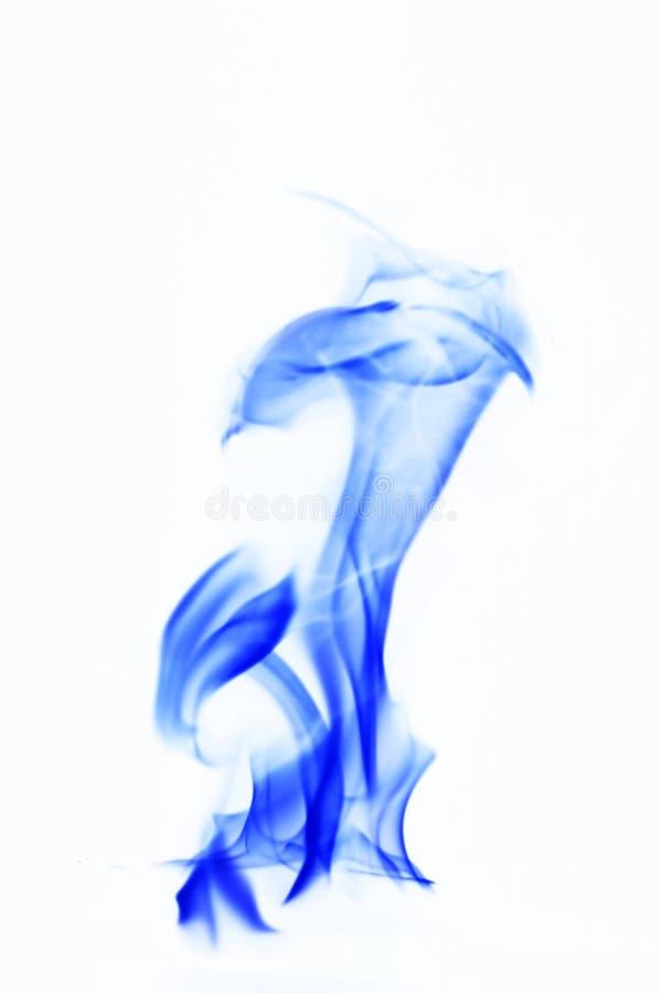 背景蓝色烟白色 在白色背景的火火焰 免版税库存图片