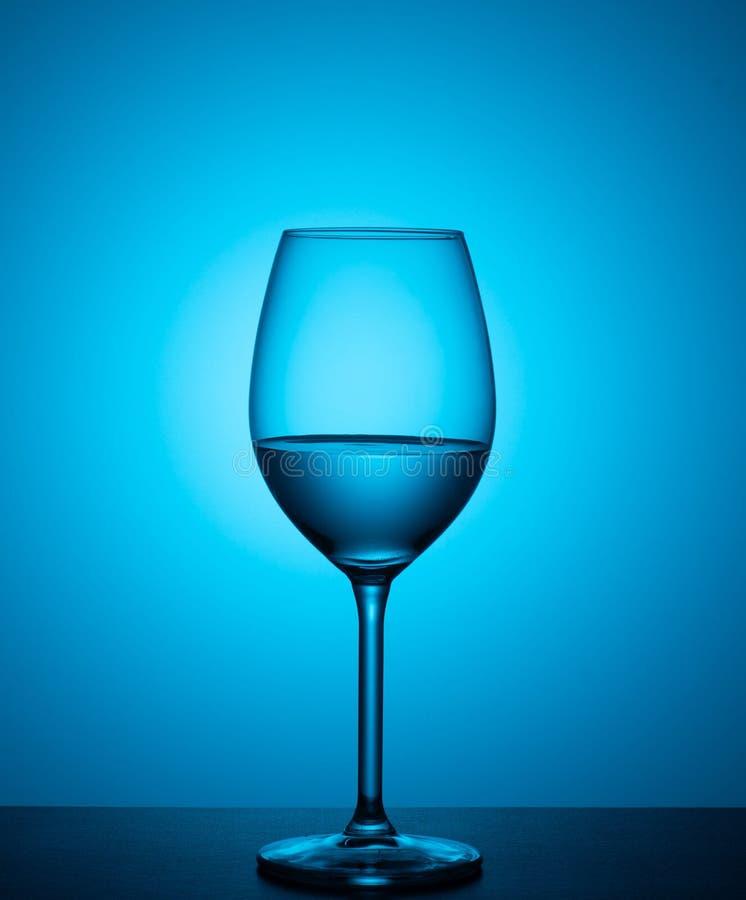 背景蓝色玻璃水 库存图片