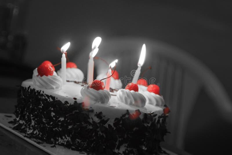 背景蛋糕灰色查出的白色 图库摄影