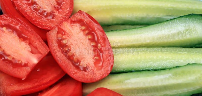 Download 背景黄瓜蕃茄 库存图片. 图片 包括有 红色, 黄瓜, 自然, 特写镜头, 节食, 成熟, 水多, 营养 - 22358571
