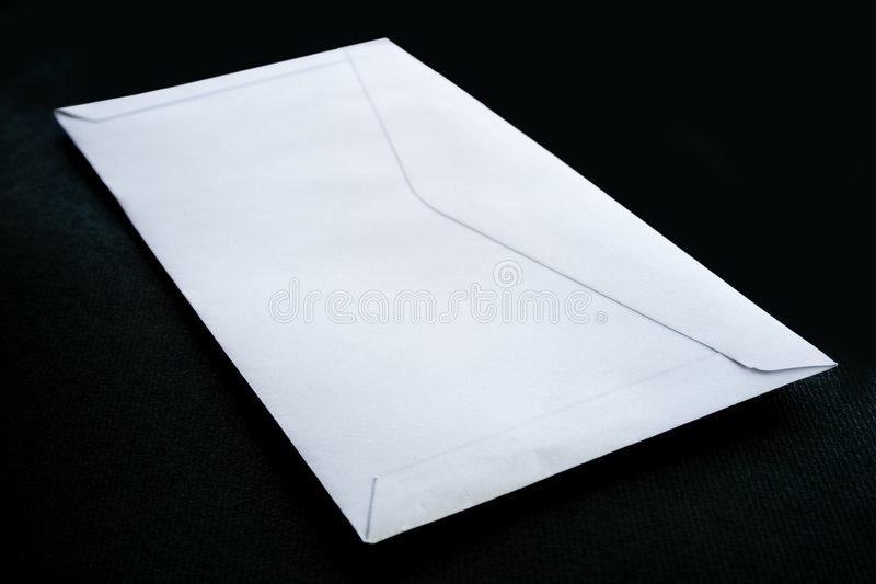 背景黑色信包 库存照片