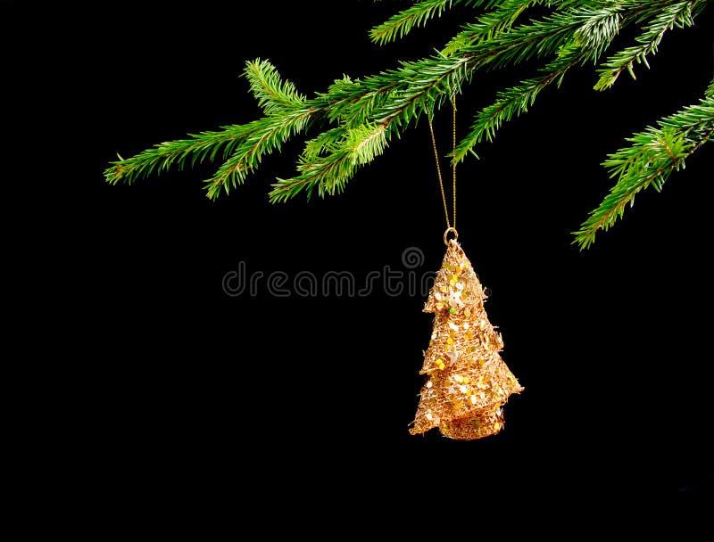 背景黑色圣诞节装饰结构树 免版税库存图片
