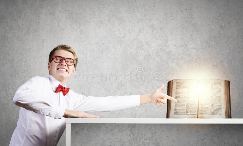 背景登记概念充分的题头查出的知识白色 免版税图库摄影