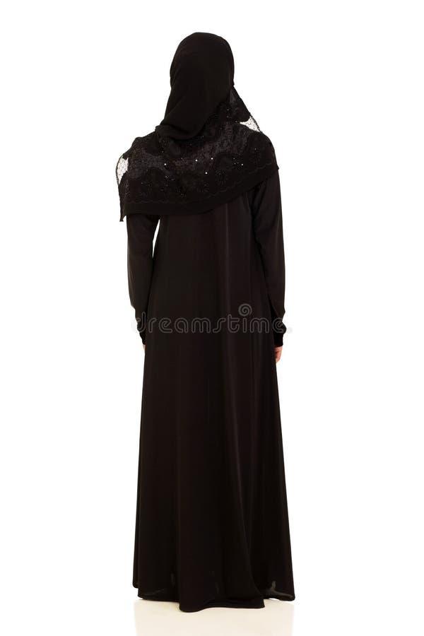 背面图阿拉伯人妇女 免版税库存图片