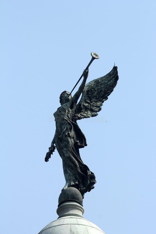 胜利天使在维多利亚纪念品上面,加尔各答圆顶的  免版税库存图片