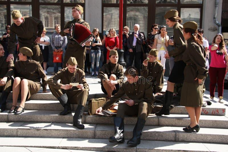 胜利天庆祝的演员在莫斯科 免版税库存图片