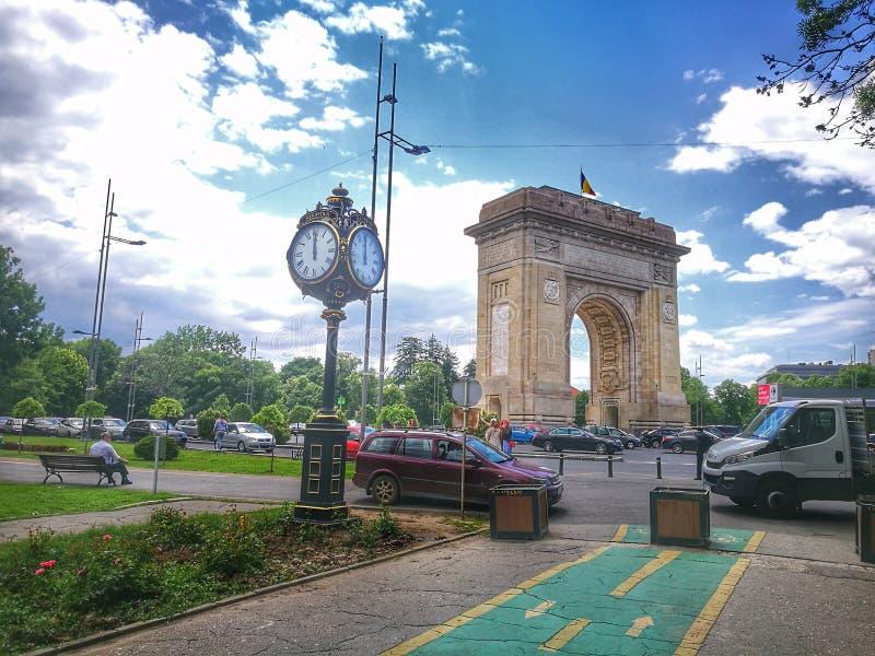 胜利曲拱在布加勒斯特,罗马尼亚 图库摄影