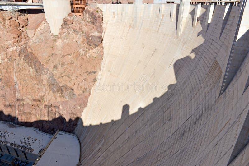 胡佛水坝,位于内华达和亚利桑那边界的一个巨型的水力发电的工程学地标 库存照片