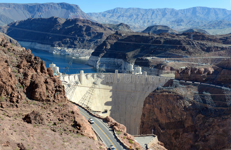 胡佛水坝,位于内华达和亚利桑那边界的一个巨型的水力发电的工程学地标 免版税库存图片