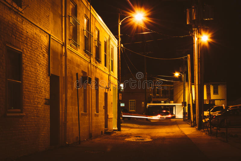 胡同在晚上,在汉诺威,宾夕法尼亚 库存照片