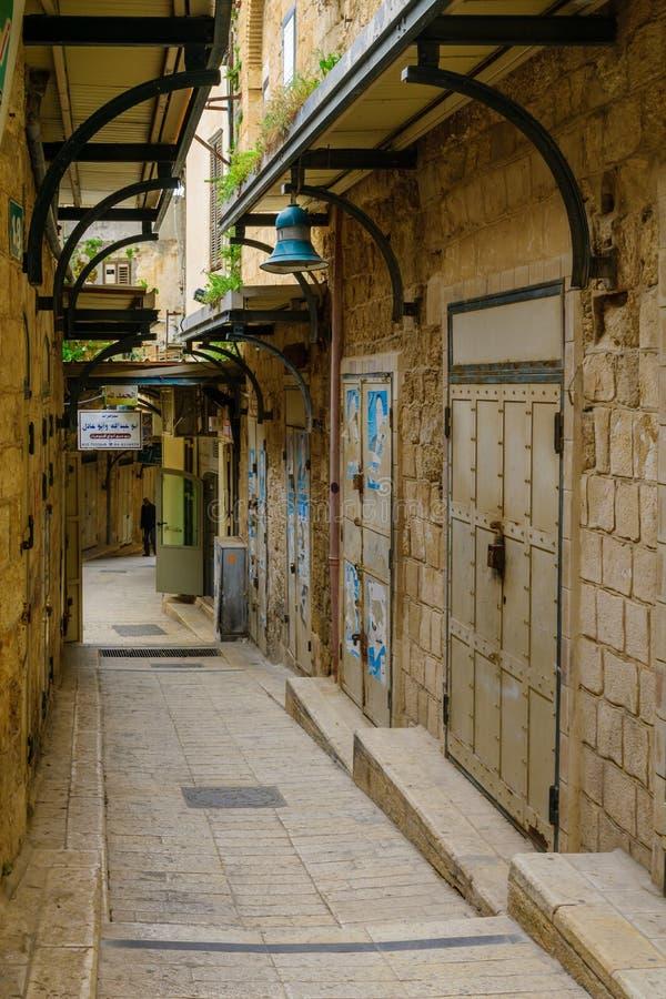 胡同在老城市,在拿撒勒 库存图片