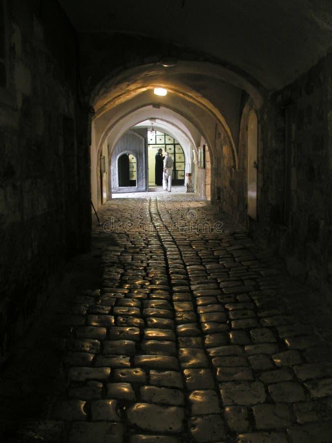 胡同armenien黑暗的修道院 免版税库存图片