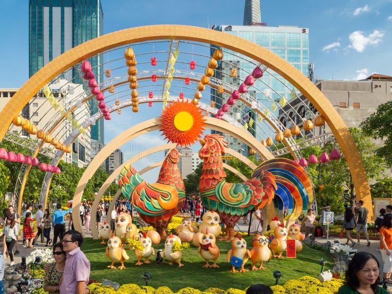 胡志明市,西贡,南越:[在胡志明市街道的农历新年装饰在Vietna 免版税库存照片