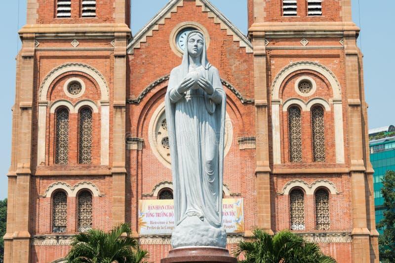 胡志明市,越南- 2015年1月26日:西贡Notre Dame蓬蒿 免版税库存图片