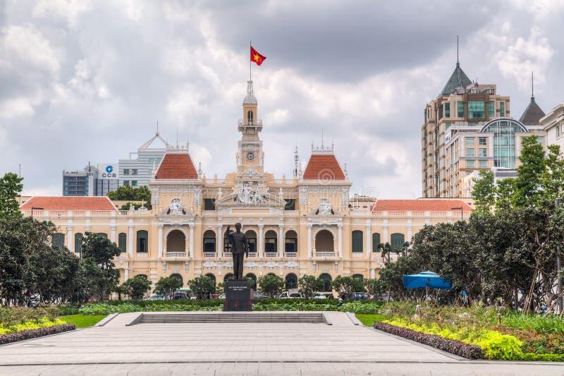 胡志明市, SAIGON/VIETNAM -大约2015年8月:胡志明纪念品和香港大会堂,胡志明市,越南 库存照片