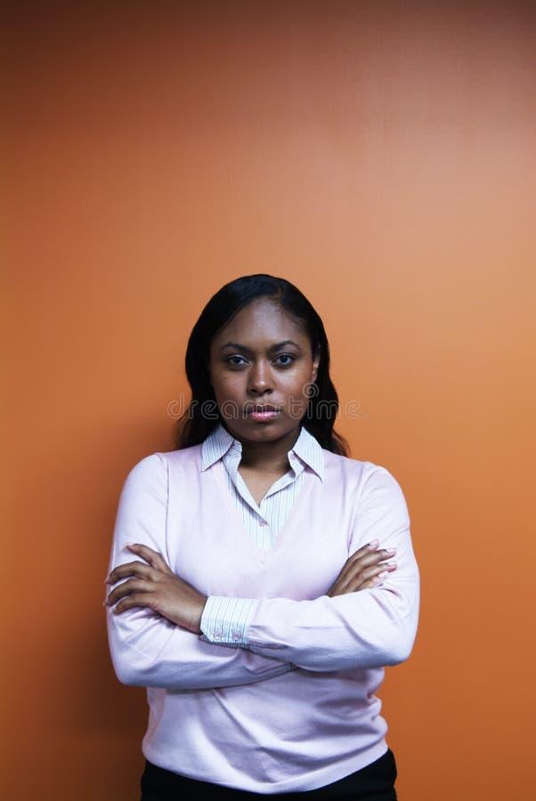Download 胳膊克服妇女 库存照片. 图片 包括有 人们, 严重, 腋窝, 破擦声, 毛线衣, 态度, 粉红色, 确信, 妇女 - 300704