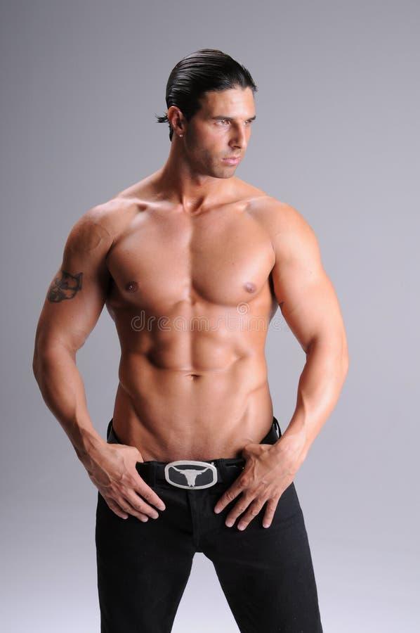 胸部赤裸的人年轻人 免版税库存照片